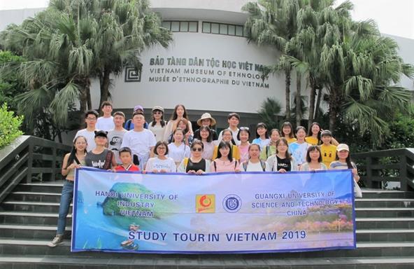 Chương trình giao lưu sinh viên quốc tế hè 2019 giữa Trường Đại học Công nghiệp Hà Nội và Trường Đại học Khoa học Kỹ thuật Quảng Tây – Trung Quốc