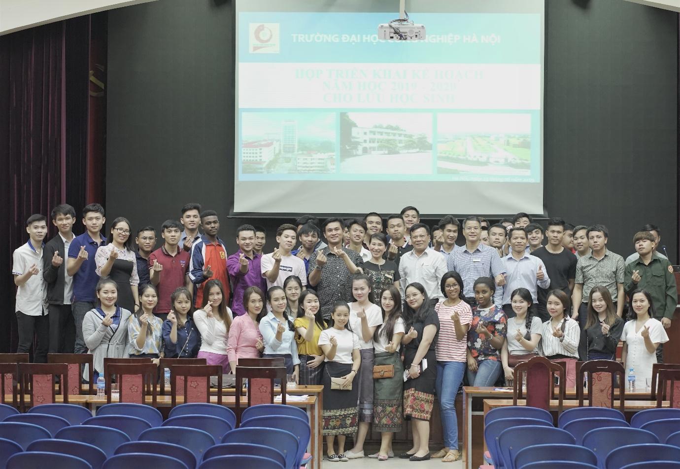 Họp triển khai Kế hoạch năm học 2019 -2020 cho Lưu học sinh đang học tại Trường Đại học Công nghiệp Hà Nội