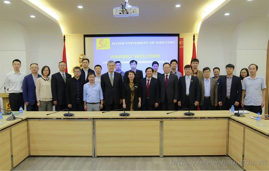 Trường Đại học Công nghiệp Hà Nội làm việc với đoàn đại biểu Hiệp hội Cơ khí Trung Quốc