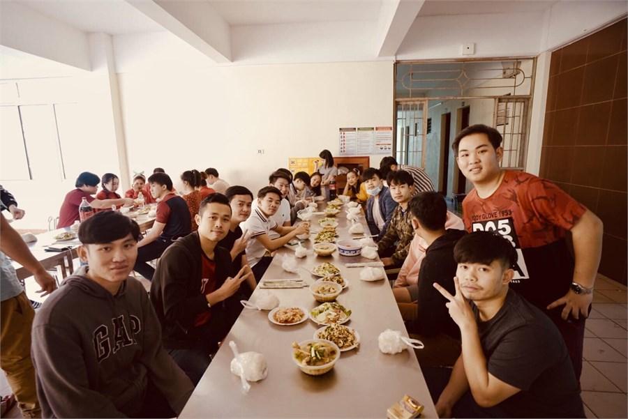 """""""Tết yêu thương"""" dành cho Lưu học sinh tại trường Đại học Công nghiệp Hà Nội"""