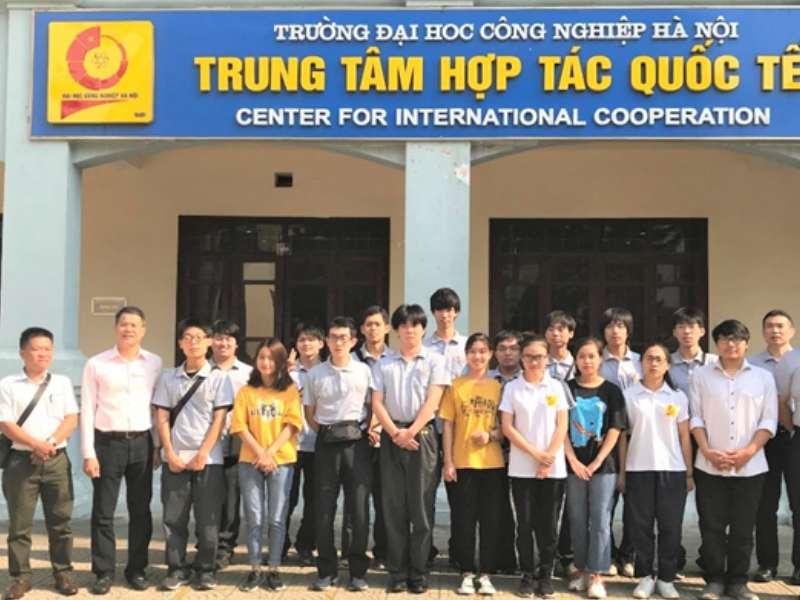 Chương trình giao lưu sinh viên giữa Trường Đại học Công nghiệp Hà Nội và Trường Cao đẳng Công nghiệp Tỉnh Mie (Nhật Bản)